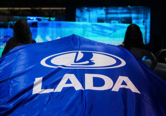 Падение продаж АвтоВАЗа в ноябре составило более 43%