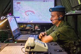 Военное ведомство это не устроило – оно предложило построить закрытую сеть, обеспечивающую связь между вооруженными силами и службами безопасности