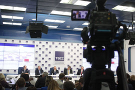 Круглый стол, посвященный 15-летию избрания Путина