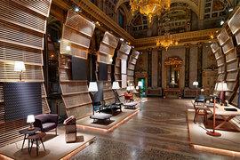 Коллекция светильников для Hermes работы Микеле де Лукки была представлена в Palazzo Serbelloni на прошлогоднем Миланском салоне