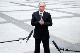 По мнению критиков Владимира Путина, его прямая линия – это «торжество ручного управления страной»
