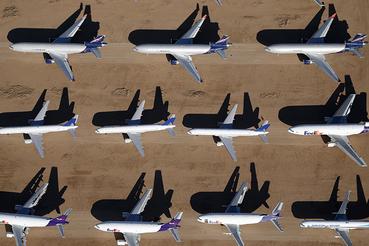 Списанные самолеты в аэропорту Викторвилл, Калифорния
