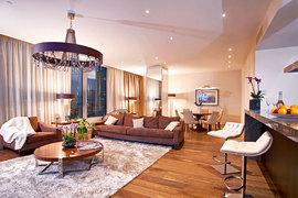 Квартиры-студии стоят $5000–20000 за 1 кв. м. На фото: апартаменты внебоскребе «Око» («Москва-сити»)