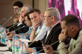 """Алексей Навальный во время конференции """"Выборы 2015 – 2016: повестка для оппозиции"""""""