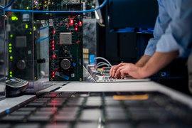 Реорганизация IBM пока не приносит ощутимых плодов