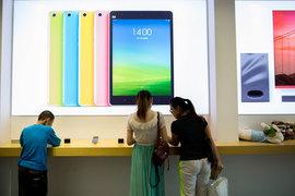 Китайский производитель смартфонов ожидает, что выручка Xiaomi от мобильных услуг – игр и платных приложений – должна вырасти в этом году более чем втрое