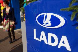 «АвтоВАЗ» в апреле устранил существовавший с осени 2014 г. дефицит массовых моделей Lada