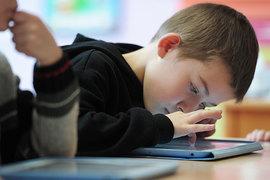 Школьники учатся азам программирования интуитивно. Смартфон или планшет есть почти у каждого