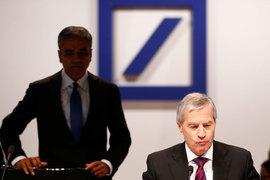 Генеральные директора Deutsche Bank Аншу Джейн и Юрген Фитшен оказались под огнем критики со стороны акционеров