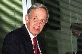 Ученый-математик Джон Нэш, жизни которого посвящен фильм «Игры разума», погиб в автокатастрофе вместе с женой
