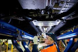 Johnson Controls поставляет кресла для GM и Ford
