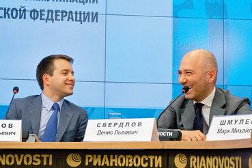 Николаю Никифорову (на фото слева) и Денису Свердлову не жалко личных средств на развитие IT-образования