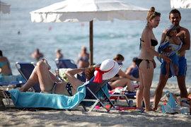 Летние каникулы настали, а чиновники до сих пор спорят вокруг поправок о защите туристов