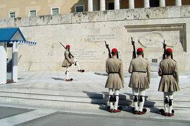 По мнению Кругмана, греческие избиратели спасли европейские институты от позора