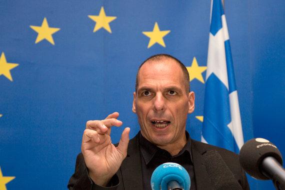 Параллельные платежи позволили бы справиться с хронической нехваткой ликвидности утверждает бывший министр финансов Янис Варуфакис
