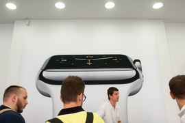 Продажи Apple Watch стартовали в апреле 2015 г.