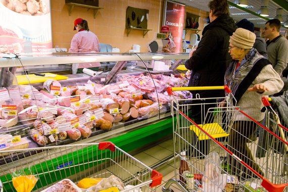 «Невская трапеза» требует от конкурентов прекратить выпуск колбасы «Престиж»