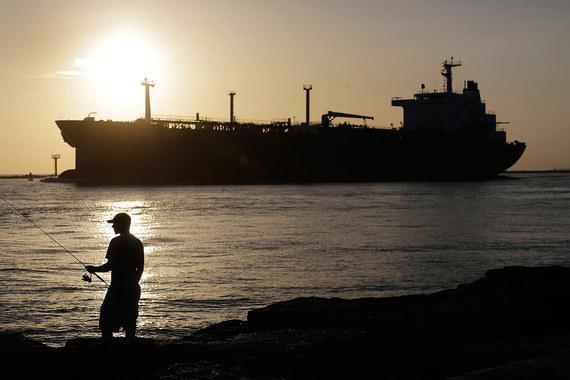Теперь американские компании могут продавать сырую нефть по всему миру Eric Gay