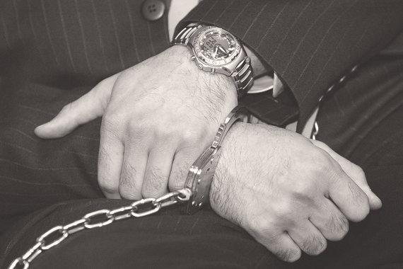 Судьи удовлетворяют более 90% ходатайств о заключении под стражу. Пока бизнесмен сидит в сизо, его компания может обанкротиться