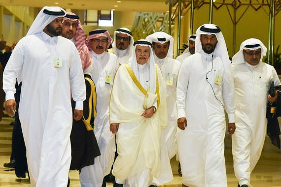 Страны ОПЕК несмогли договориться обограничении добычи нефти