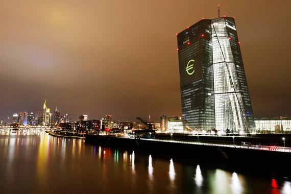 Последний раз ЕЦБ предпринималльные шаги в марте и призывал инвесторов быть терпеливыми