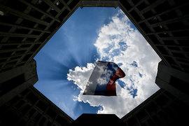 Россияне считают, что после присоединения Крыма наша страна стала более демократичной, выяснили социологи