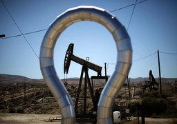 Падение цен на нефть доставляет неприятности разработчикам сланцевых месторождений в США, но добытчикам в других странах приходится гораздо хуже