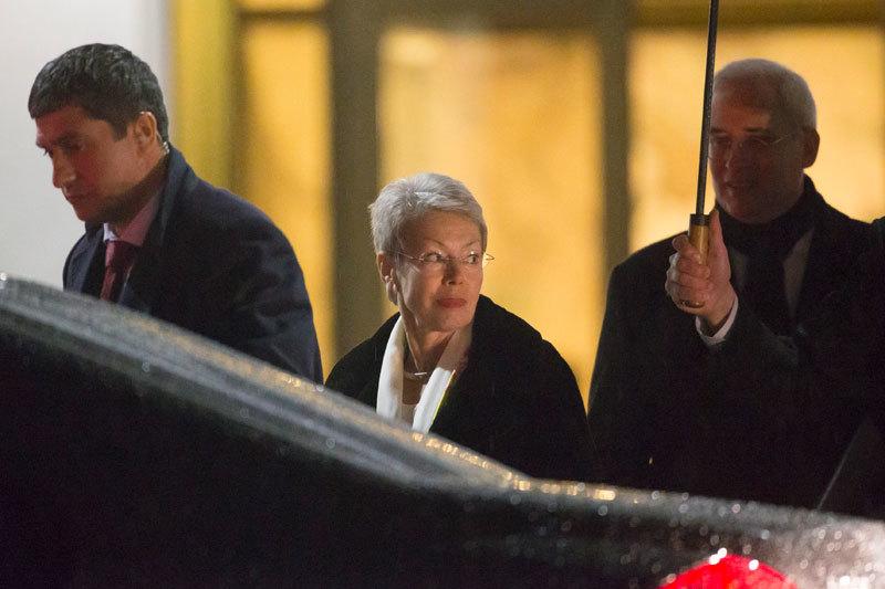 Хайди Тальявини (в центре) пока не объяснила причин своей отставки