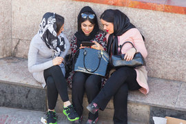 В Иране 15% жителей пользуются мобильным интернетом