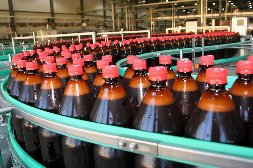 ФАС не против ограничения продаж пива в пластиковых бутылках емкостью свыше 1,5 л