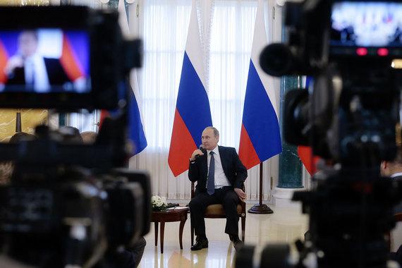 На встрече с российским бизнесом в четверг президент услышал и поддержал две налоговые идеи: ввести инвестиционную льготу и дать возможность возврата НДС при закупках у малого бизнеса
