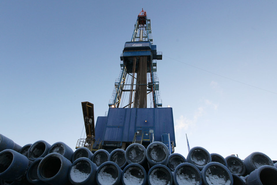 Изначально «Газпром» планировал добыть в 2015 г. 485 млрд куб. м, но несколько раз корректировал эти планы