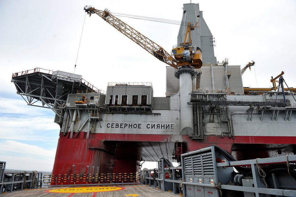 В рамках проекта «Газпрома» «Сахалин-3» на рубеже 2020-х гг. можно будет добывать более 20 млрд куб. м газа и этого хватит на несколько проектов, уверял Миллер