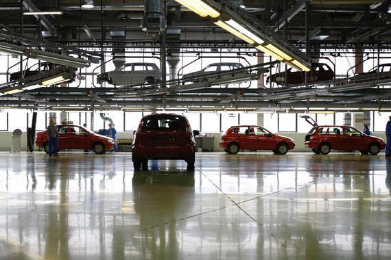 Из-за падения рубля себестоимость сборки автомобилей на «АвтоВАЗе» сейчас меньше 250 евро