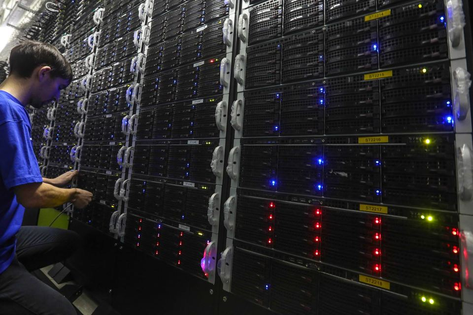 Чтобы хранить и обрабатывать данные россиян в России, иностранным интернет-компаниям приходится  арендовать мощности российских дата-центров