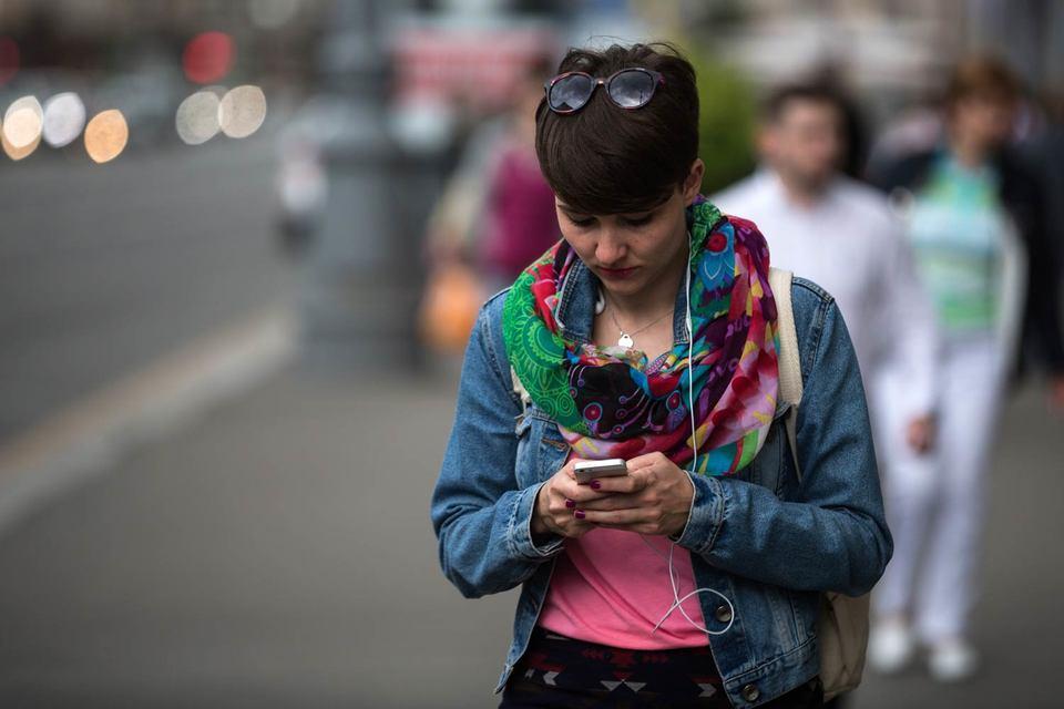 Все больше россиян заходят в интернет со смартфонов