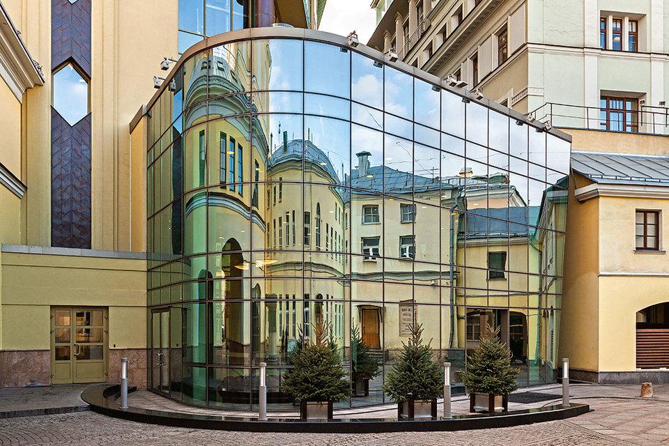 Деловой квартал «Романов двор» - один из примеров удачного вложения в восстановление памятника
