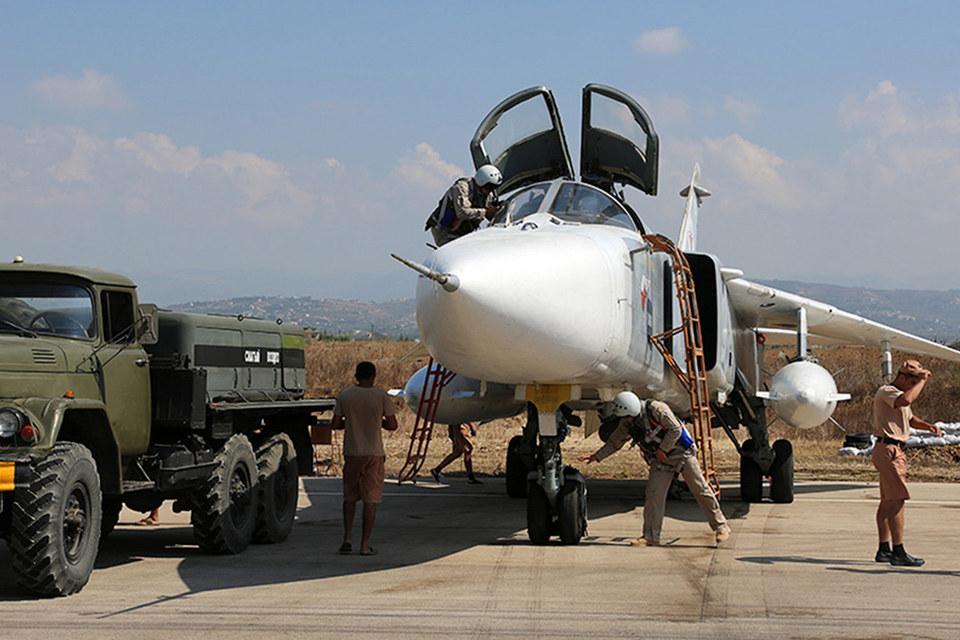 В НАТО прошли консультации, и представители 28 стран-участниц приняли совместное заявление, осудив нарушения, допущенные самолетами Су-30 и Су-24 ВВС России