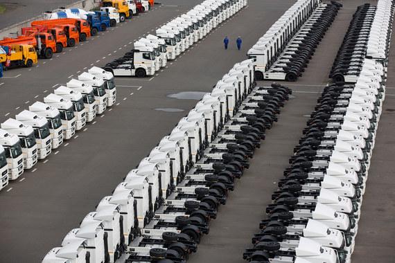 При падении инвестиций и доходов экономику из рецессии в следующем году вытащат запасы на складах, считает Минэкономразвития