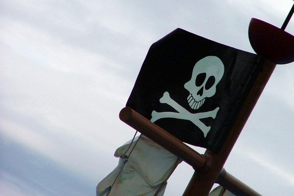 Представитель Роскомнадзора Вадим Ампелонский говорит, что указанные сайты – популярные в рунете пиратские ресурсы