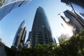Несмотря на снижение арендной платы, Москва сохраняет 8-е место в списке самых дорогих городов мира по уровню арендных ставок на офисные помещения в небоскребах