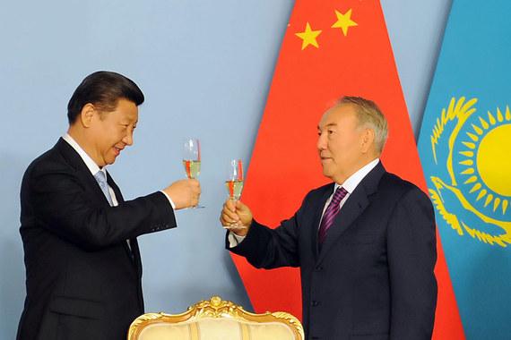 Председателю КНР Си Цзиньпину  и президенту Казахстана Нурсултану Назарбаеву есть что праздновать: товарооборот между странами за 10 лет вырос в 4 раза