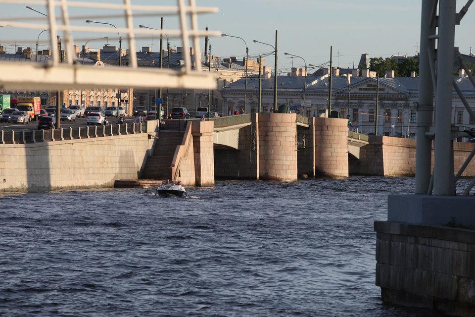 Желающих реконструировать Тучков мост нашлось немного