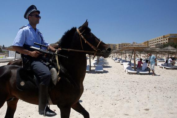 Туристы перед поездкой должны знать, безопасна ли страна, считает депутат