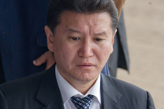 Минфин США подозревает непосредственно Илюмжинова в связях с председателем Центробанка Сирии Адибом Майалехом, в отношении которого Евросоюз ввел санкции еще в июне 2012 г.