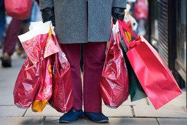 Банки устроят держателям карт удачный предновогодний шопинг