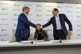 Инвестиция в Сбербанк пока приносит фондам Oppenheimer прибыль, а «Яндексу» – 50% убытка (президент Сбербанка Герман Греф – на фото слева, справа – основатель «Яндекса» Аркадий Волож)