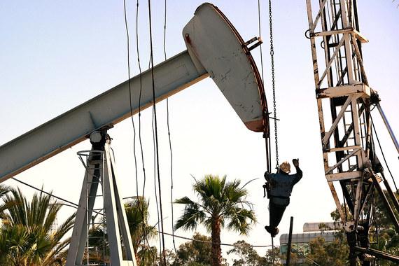 Производители нефти продолжают активно ее качать