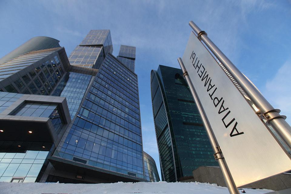 В «Москва-сити» введено в эксплуатацию около 1800 апартаментов (более 270000 кв. м), к моменту завершения строительства ММДЦ в 2018 г. их будет 3800 (более 600000 кв. м). В «Сити» апартаменты занимают около 35% от общего объема коммерческих площадей, по данным Welhome
