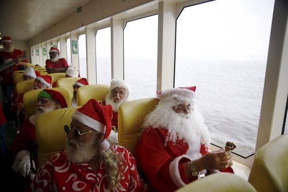 Дед Мороз или Санта Клаус -кто зарабатывает больше. Default-1ddc